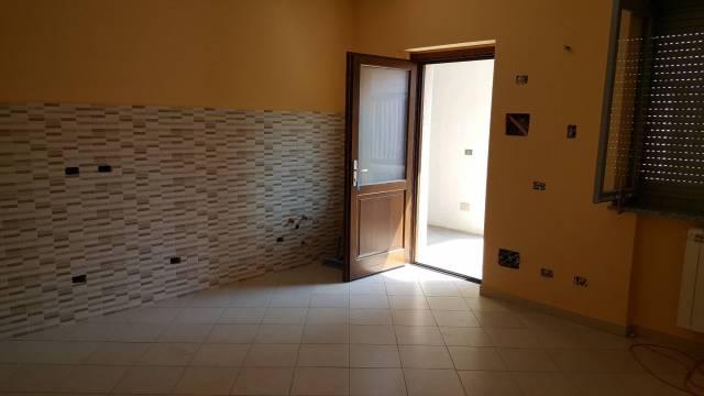 Appartamento in ottime condizioni in affitto Rif. 6724556