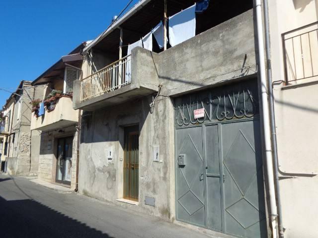 Appartamento in vendita a Roccella Ionica, 7 locali, prezzo € 140.000 | CambioCasa.it