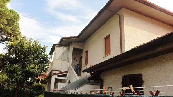 Appartamento in vendita a Forte dei Marmi, 4 locali, prezzo € 295.000 | PortaleAgenzieImmobiliari.it
