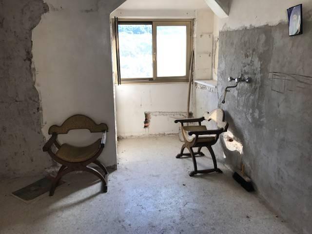 Soluzione Indipendente in vendita a Capistrello, 4 locali, prezzo € 13.000 | Cambio Casa.it