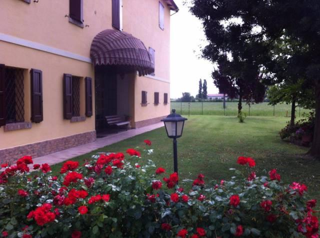 Villa 6 locali in vendita a Correggio (RE)