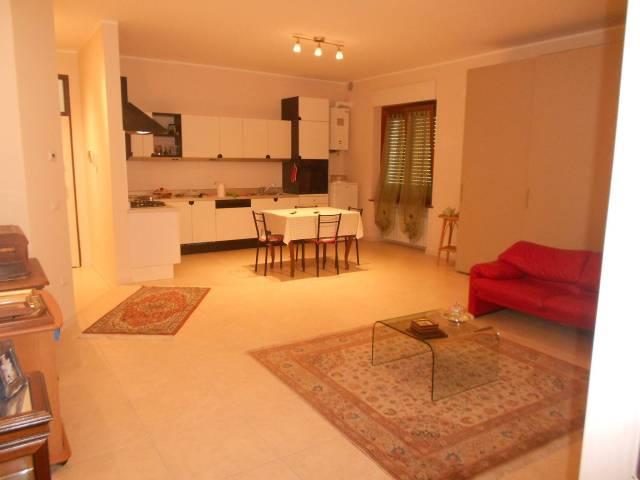 Appartamento trilocale in affitto a Montegranaro (FM)