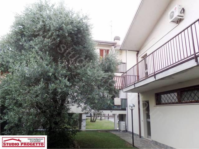 Appartamento trilocale in vendita a Mariano Comense (CO)