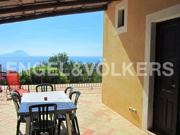 Villa bilocale in vendita a Malfa (ME)
