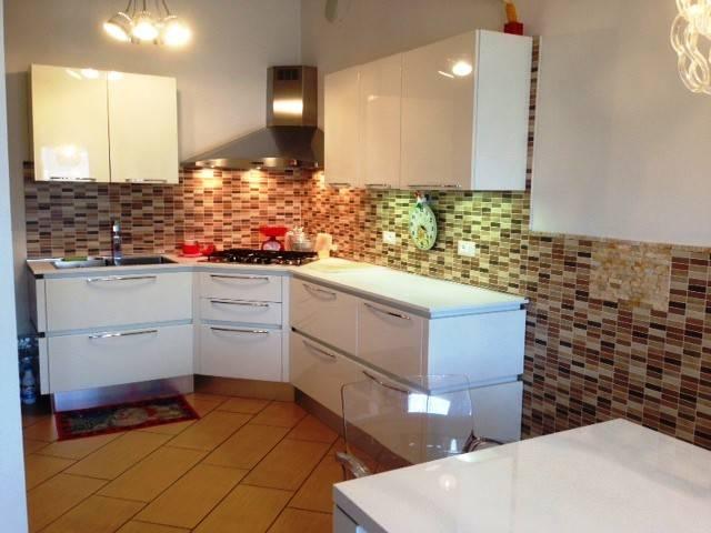 Appartamento 5 locali in vendita a Occhiobello (RO)