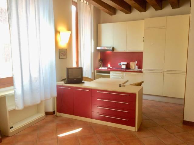 Appartamento monolocale in affitto a Verona (VR)