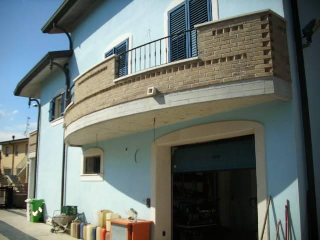 Villa in ottime condizioni in vendita Rif. 4305337