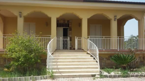 Villa-Villetta Villa in Vendita a Campobello Di Licata
