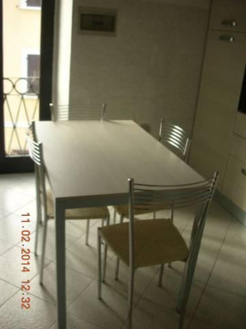 Appartamento in buone condizioni parzialmente arredato in vendita Rif. 4835412