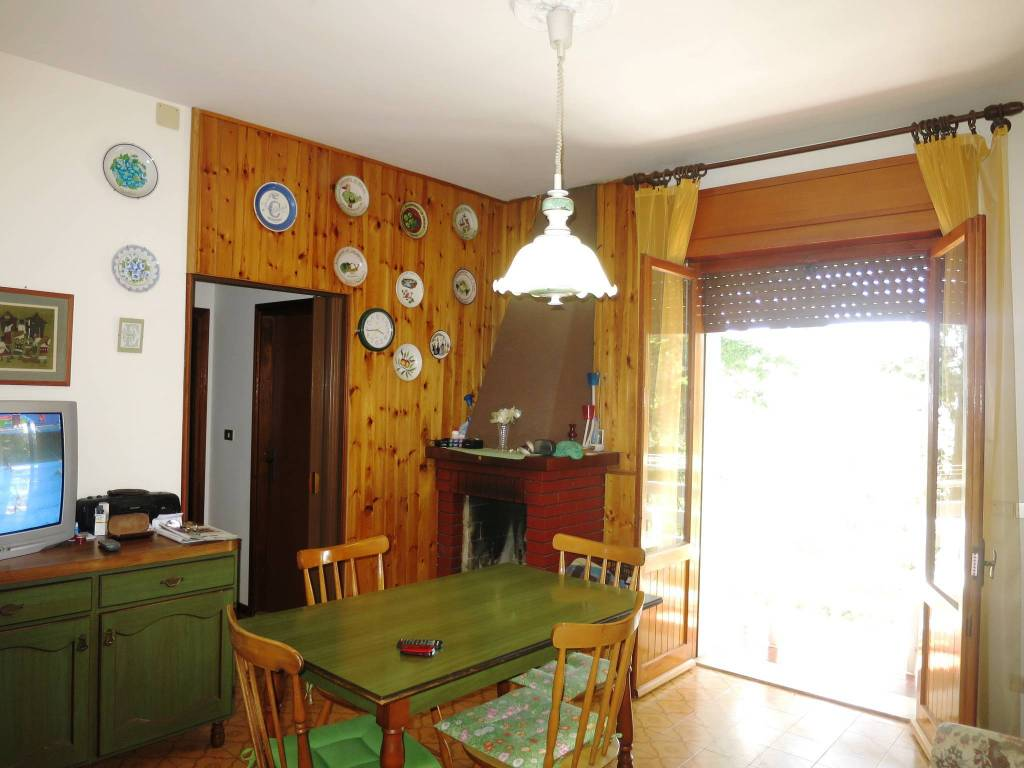 Appartamento in buone condizioni arredato in vendita Rif. 4852979