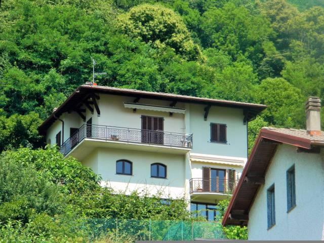 Villa in buone condizioni parzialmente arredato in vendita Rif. 4937958