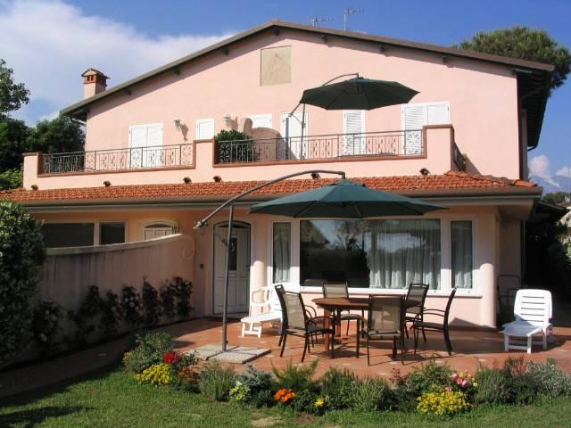 Villa in affitto a Forte dei Marmi, 7 locali, Trattative riservate   CambioCasa.it