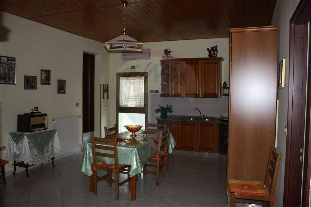 Appartamento in ottime condizioni arredato in vendita Rif. 4808498