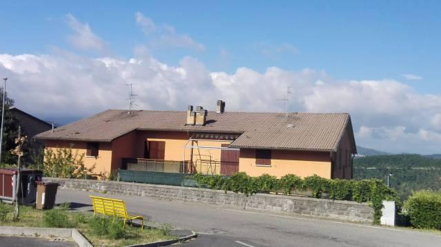 Appartamento in buone condizioni arredato in vendita Rif. 4908020