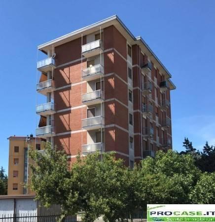 Appartamento in vendita a Origgio, 3 locali, prezzo € 80.000 | CambioCasa.it
