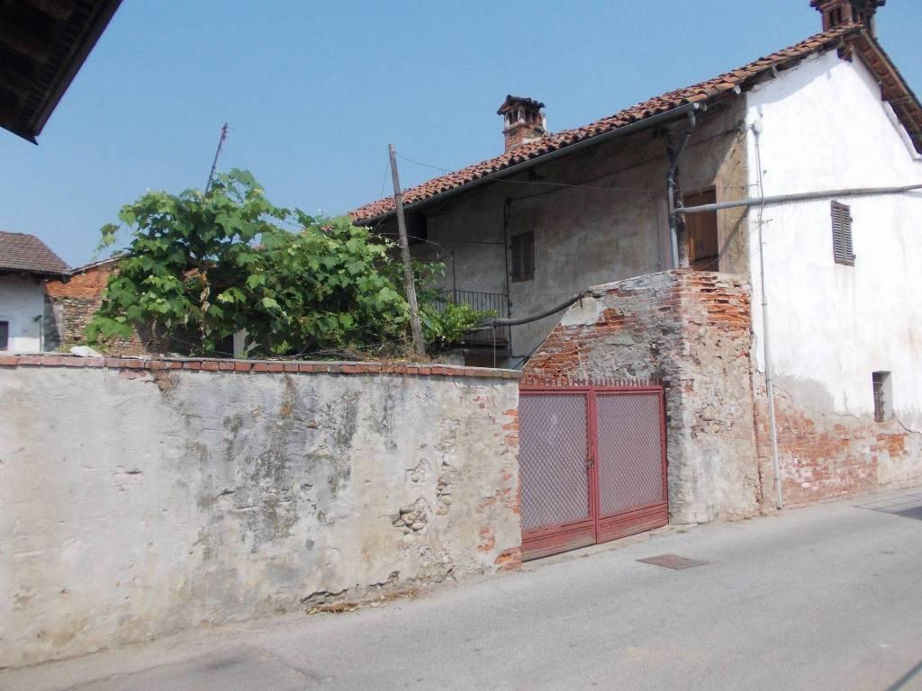 Foto 1 di Rustico / Casale via Priola 16, Piozzo