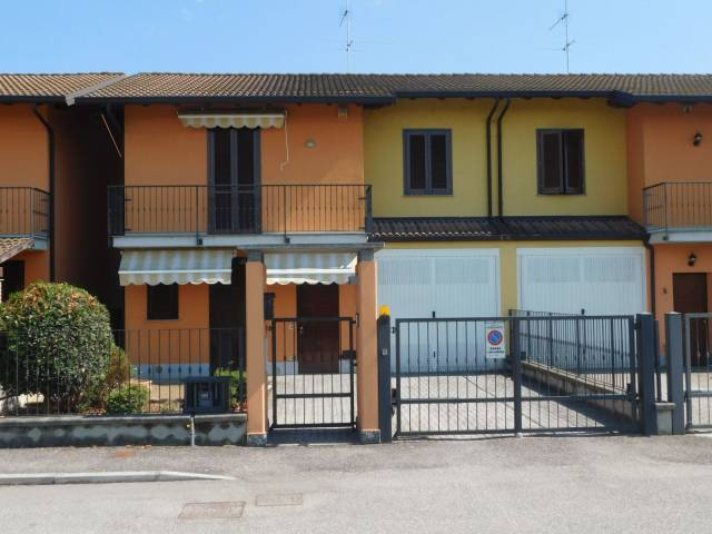Villa in Vendita a Cassolnovo