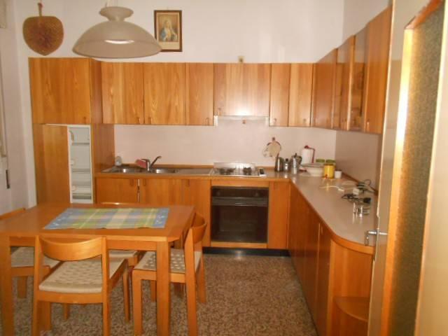 Casa indipendente 6 locali in vendita a Papozze (RO)