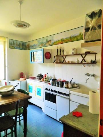 Appartamento in buone condizioni parzialmente arredato in vendita Rif. 4937960