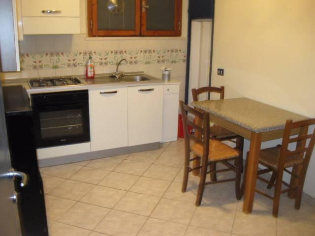 Appartamento in buone condizioni arredato in affitto Rif. 7123782