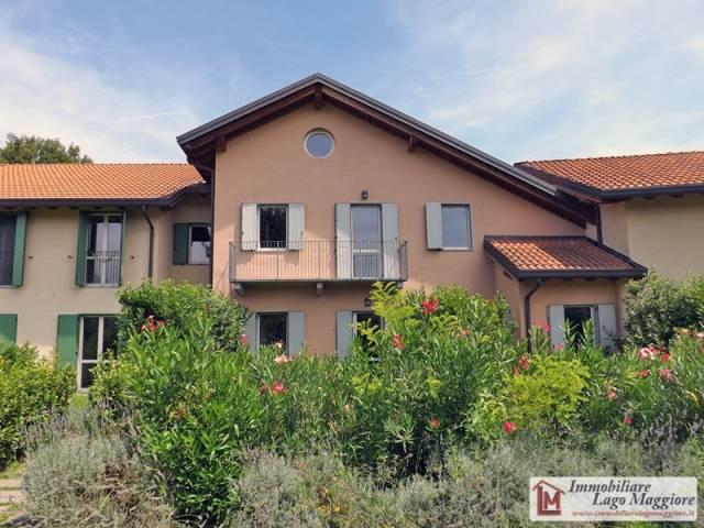 Villa a Schiera in Affitto a Ispra