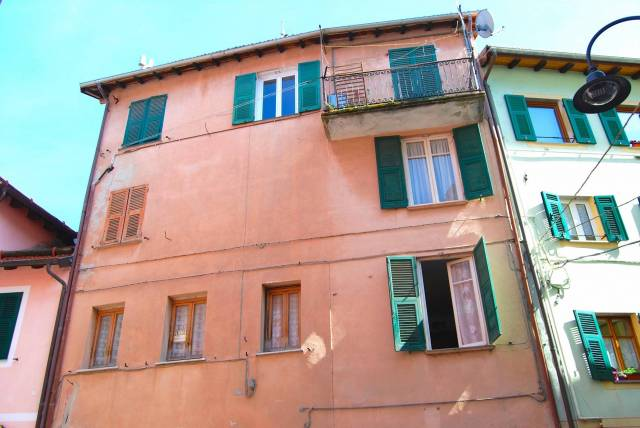 Appartamento da ristrutturare arredato in vendita Rif. 6036302