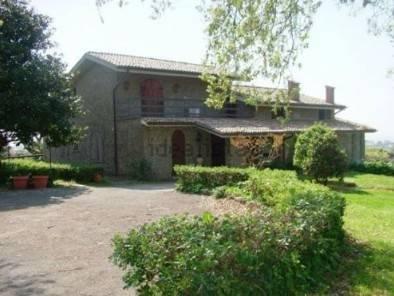 Villa in vendita a Genzano di Roma, 9999 locali, prezzo € 689.000 | Cambio Casa.it