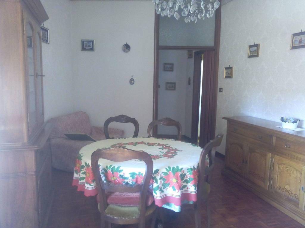 Appartamento in buone condizioni arredato in affitto Rif. 6214675