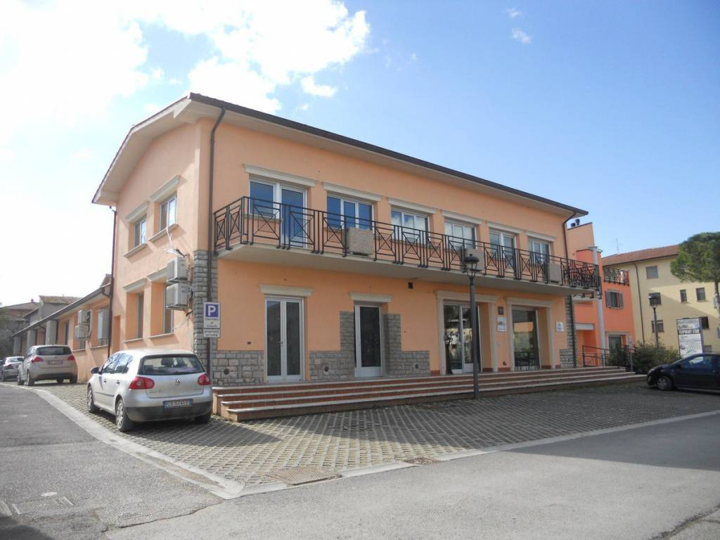 Appartamento in Vendita a Castiglione Del Lago Centro:  4 locali, 186 mq  - Foto 1