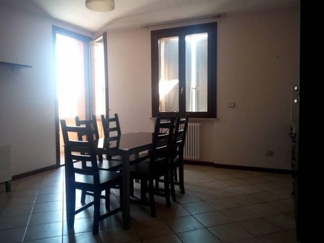 Appartamento in affitto a Viadana, 2 locali, prezzo € 400 | Cambio Casa.it