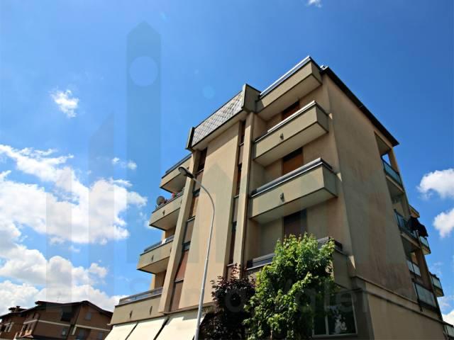 Appartamento quadrilocale in vendita a Seregno (MB)