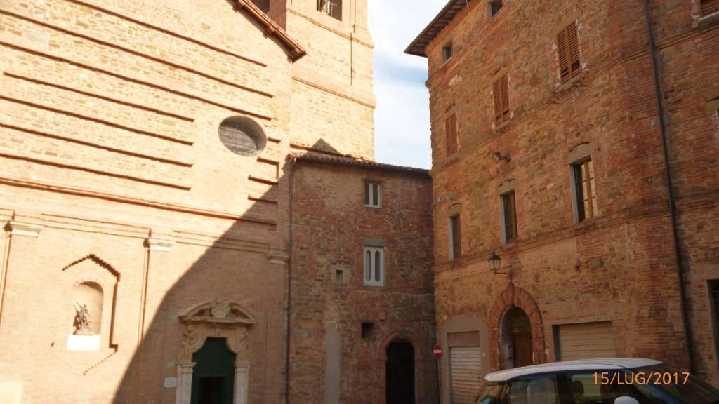 Panicale piazza San Michele
