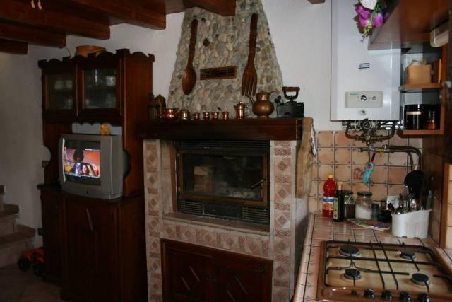 Casa indipendente in Vendita a Gropparello: 2 locali, 47 mq