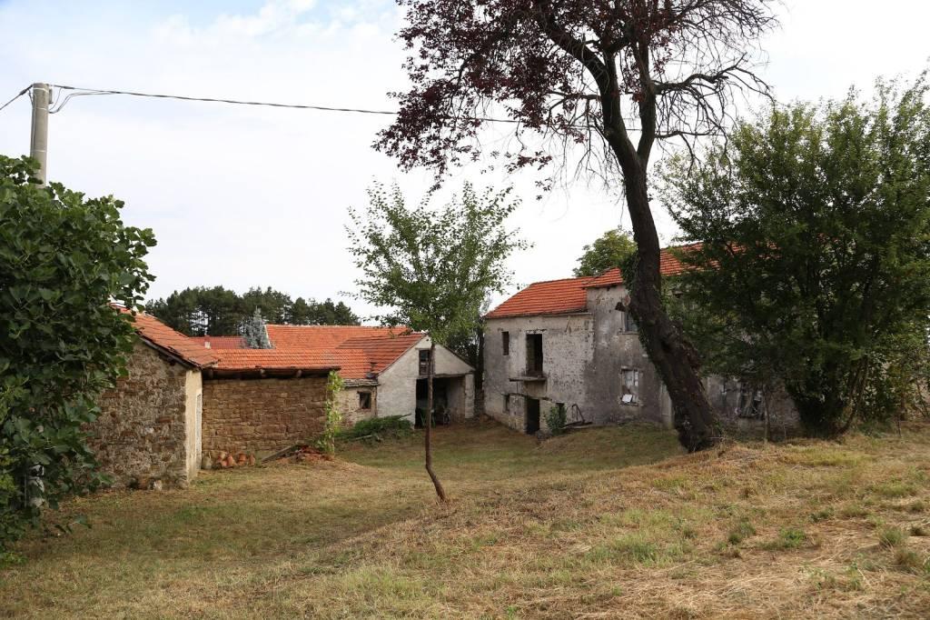 Rustico / Casale in vendita a Roccaverano, 8 locali, prezzo € 80.000 | PortaleAgenzieImmobiliari.it