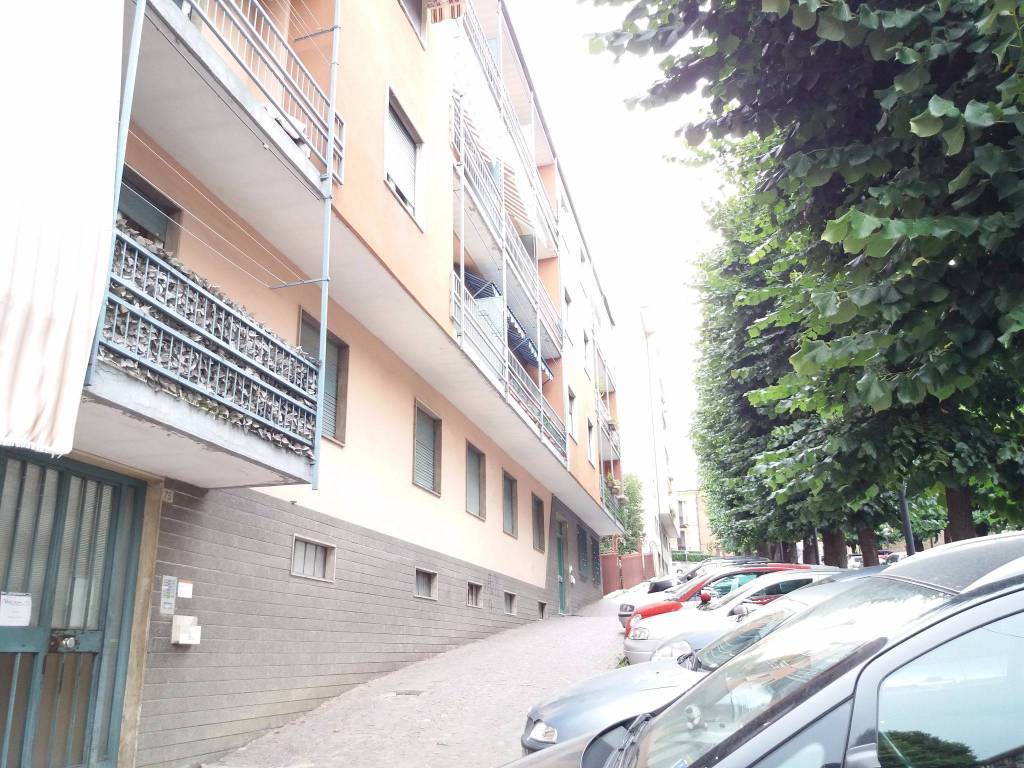 Appartamento da ristrutturare in vendita Rif. 8760587