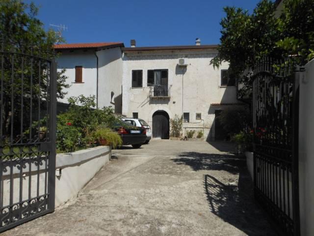 Soluzione Indipendente in vendita a Pietravairano, 5 locali, prezzo € 90.000 | Cambio Casa.it
