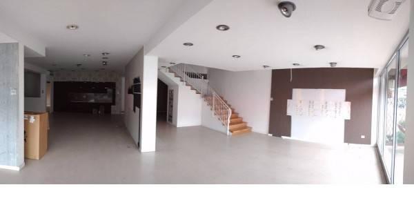 Locale commerciale in affitto in centro a Quarrata