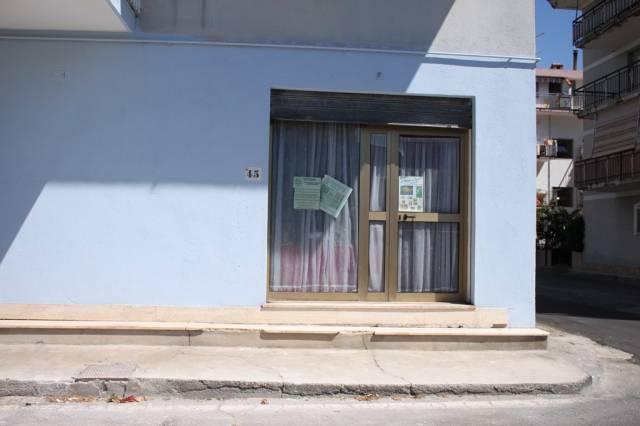 Scalea Via Don Minzoni Vendesi Locale Commerciale