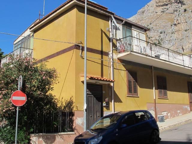 Appartamento in vendita a Capaci, 4 locali, prezzo € 125.000 | CambioCasa.it