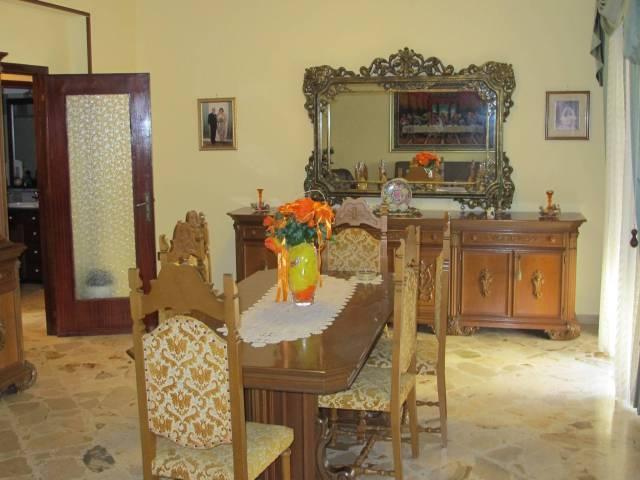 Appartamento in vendita a Capaci, 4 locali, prezzo € 140.000 | CambioCasa.it