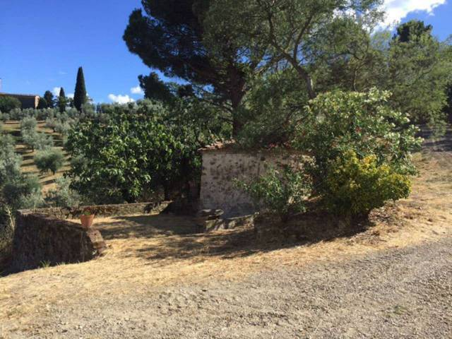 Colonica con vista in vendita sulle colline di Carmignano