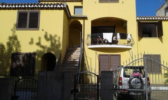 Appartamento in ottime condizioni arredato in vendita Rif. 4241854