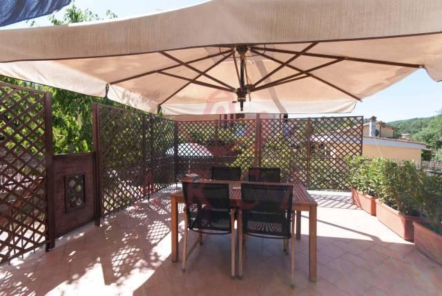 Appartamento in buone condizioni in vendita Rif. 4920144