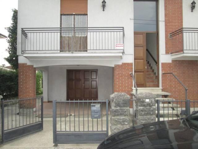 Villa in vendita a Gazoldo degli Ippoliti, 9999 locali, prezzo € 130.000 | Cambio Casa.it