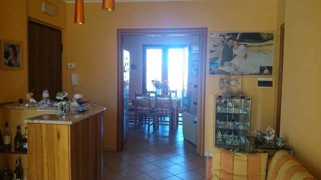 Appartamento in ottime condizioni in vendita Rif. 4458921