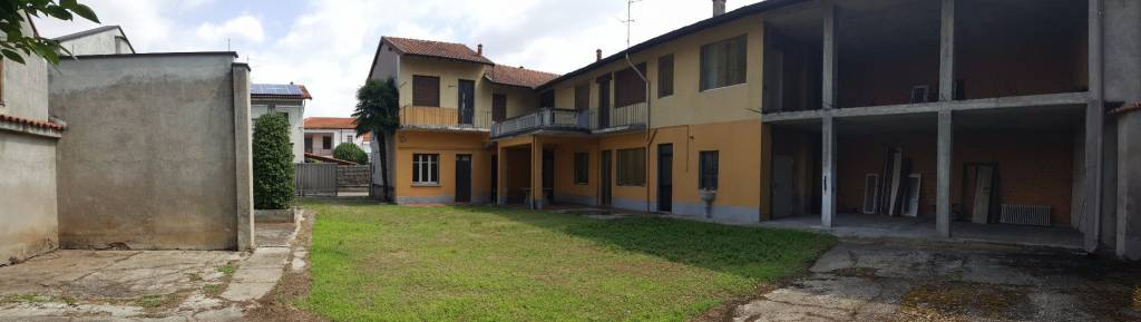 Appartamento in vendita a Buscate, 12 locali, prezzo € 225.000 | CambioCasa.it