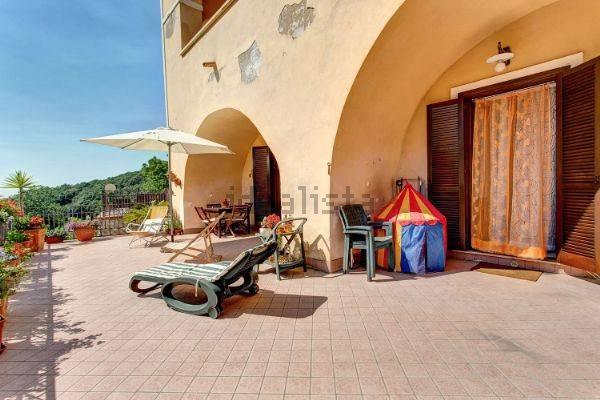Appartamento in ottime condizioni arredato in vendita Rif. 6298818