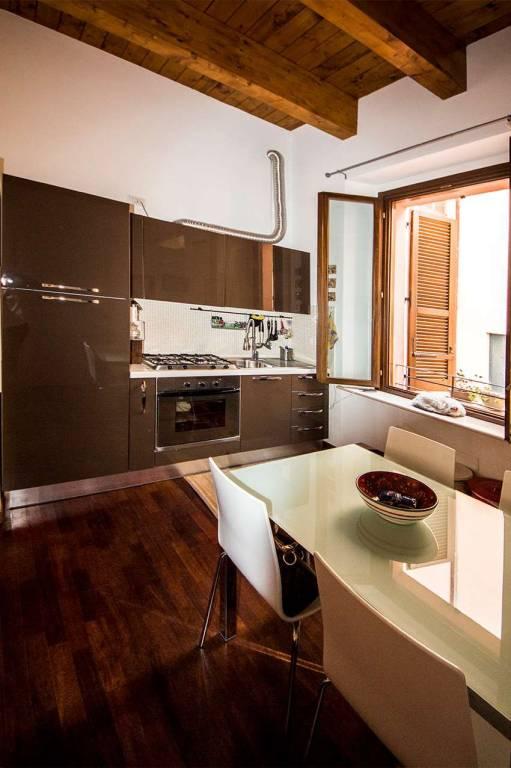 Appartamento in ottime condizioni arredato in affitto Rif. 9331759