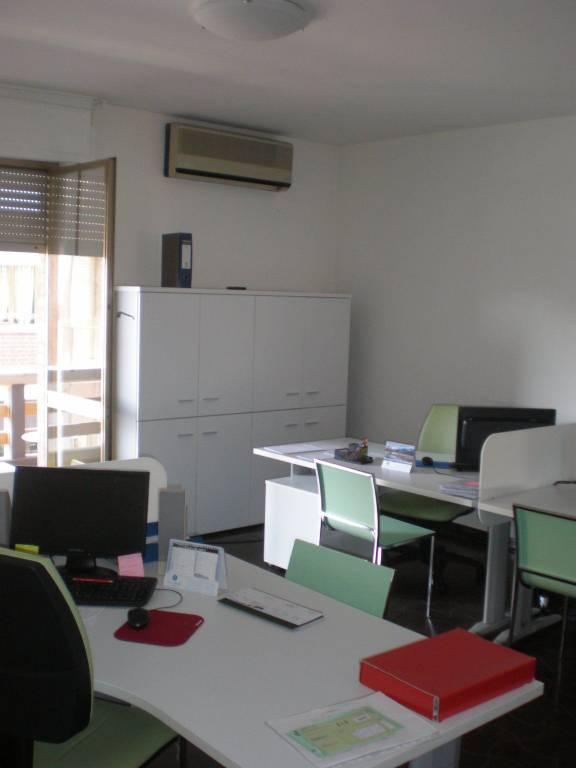 Ufficio / Studio in vendita a Cigliano, 6 locali, prezzo € 85.000 | PortaleAgenzieImmobiliari.it
