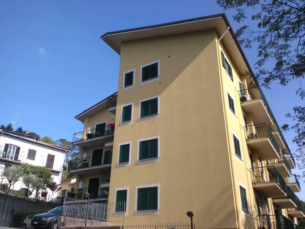 Appartamento in buone condizioni in vendita Rif. 8204370
